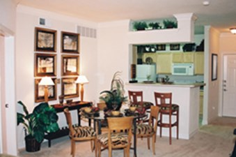 Dining at Listing #140738