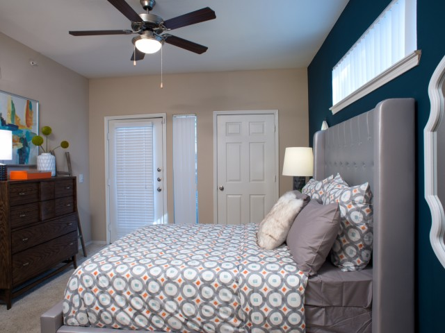 Bedroom at Listing #137627