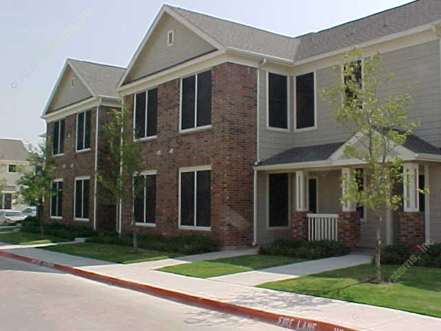 Exterior at Listing #138008