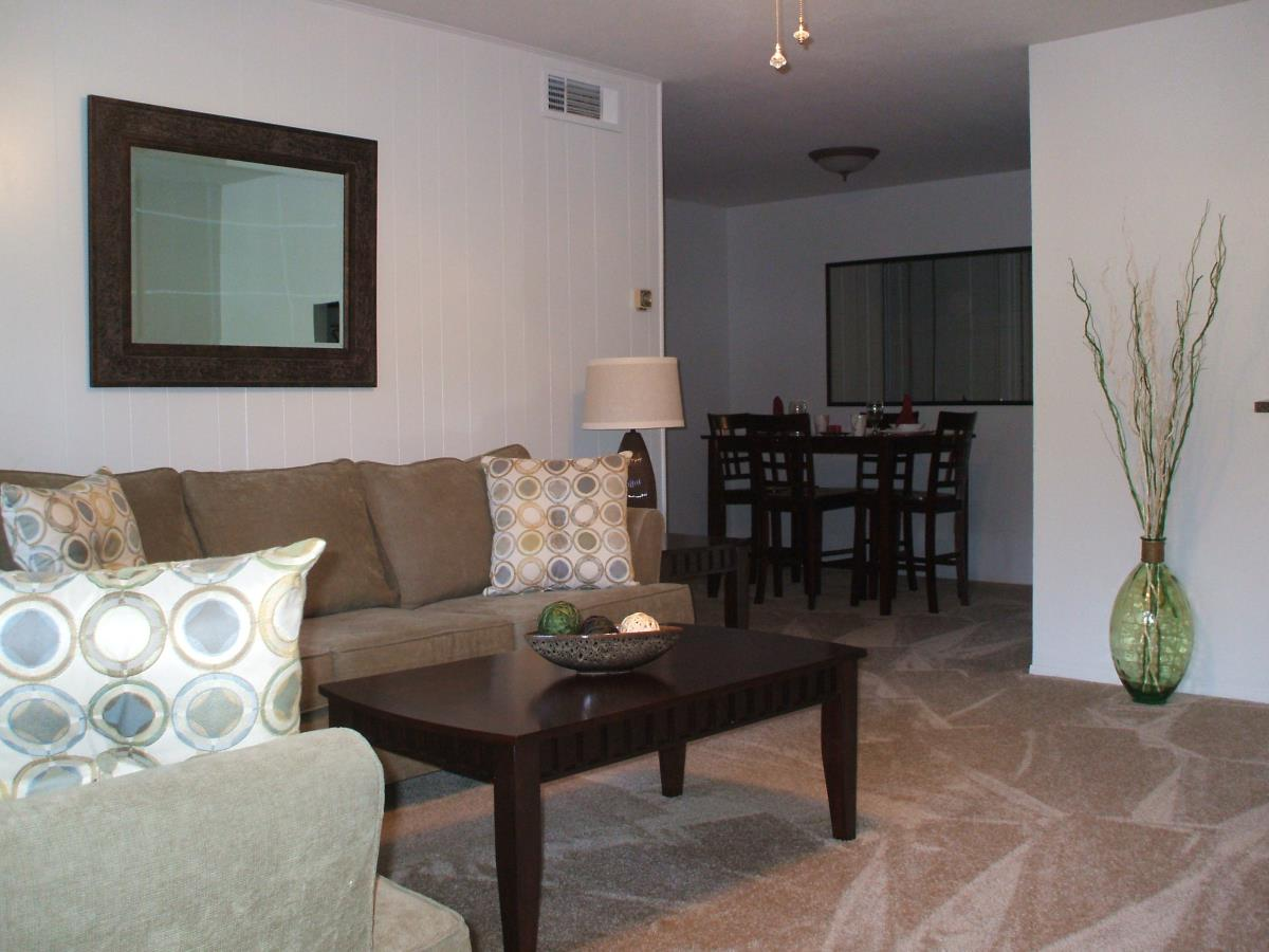 Living at Listing #139910