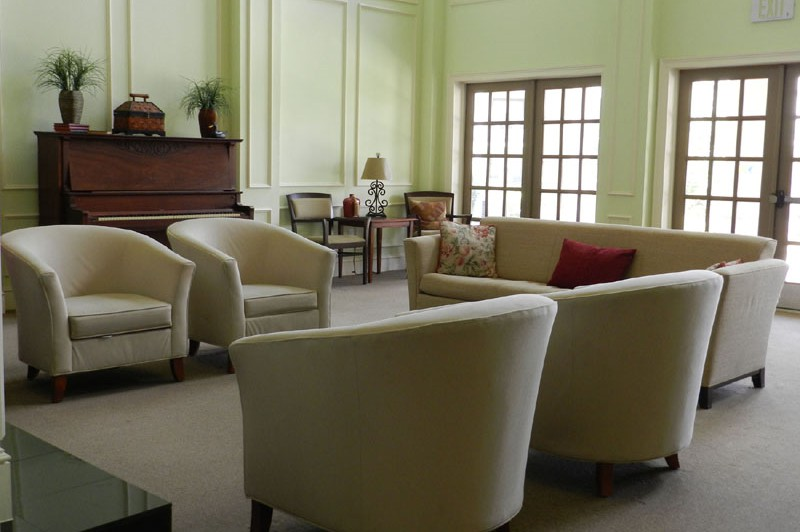 Lounge at Listing #147164