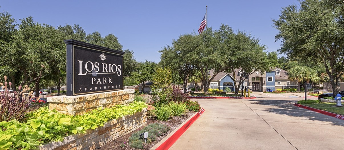 Los Rios Park Apartments