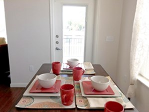 Dining at Listing #276076