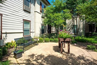 Courtyard at Listing #283123