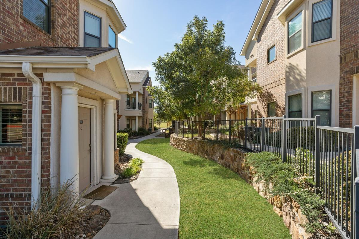 Exterior at Listing #238916
