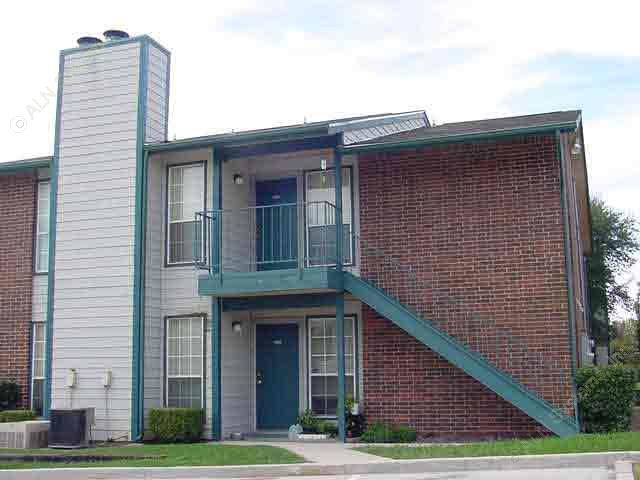 Exterior 4 at Listing #137225