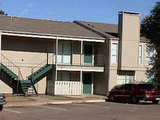 Exterior 2 at Listing #136548