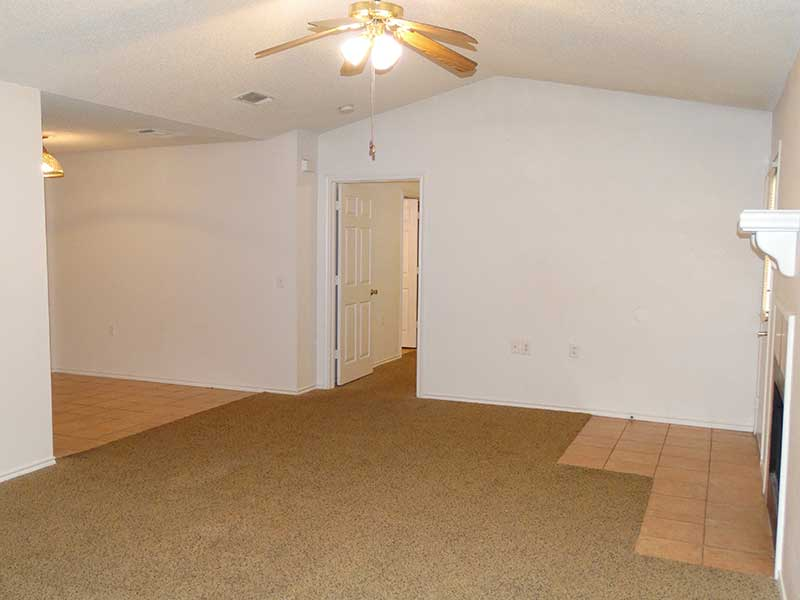 Living Room at Listing #147039