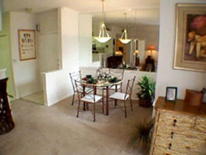 Dining at Listing #141286
