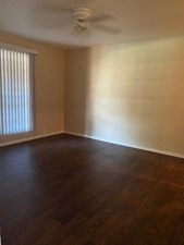 Bedroom at Listing #139618