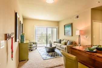 Living at Listing #226852