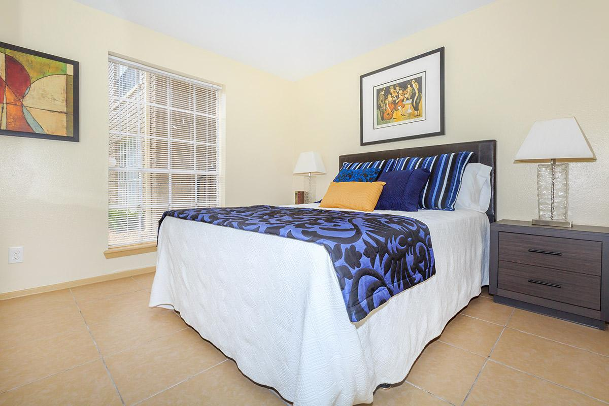 Bedroom at Listing #139439