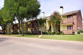 Rolling Hills Place Apartments Lancaster TX