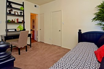 Bedroom at Listing #136712