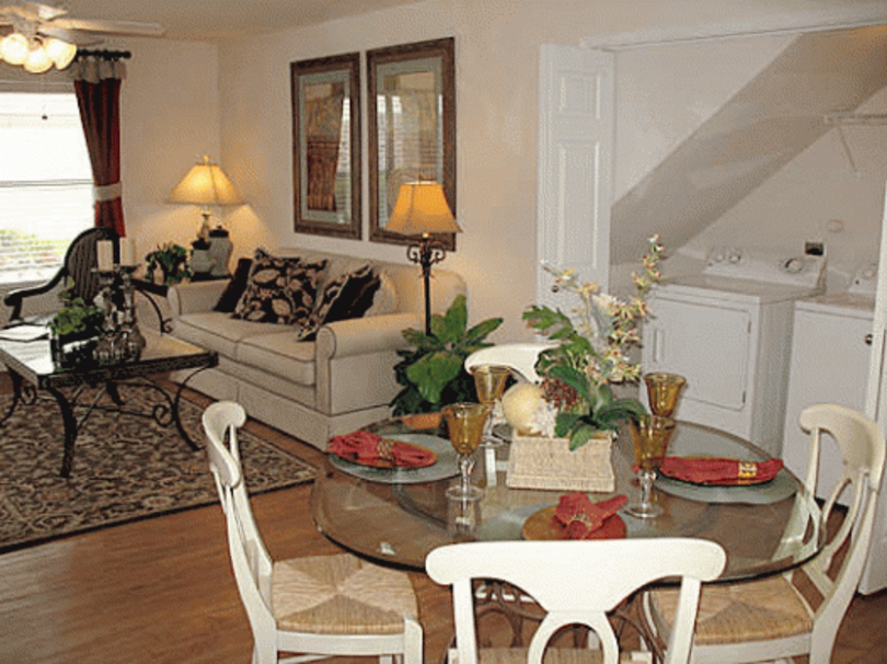 Living/Dining at Listing #147049