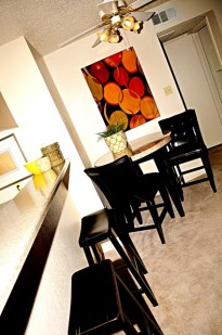Dining at Listing #135681