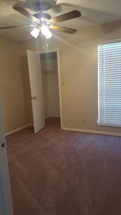 Bedroom at Listing #214191