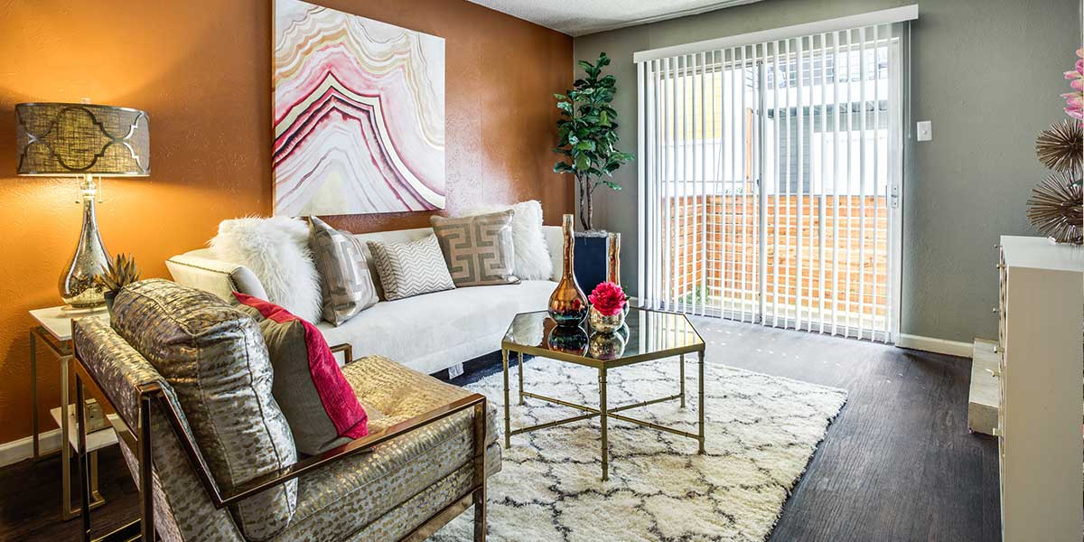 Living at Listing #137240