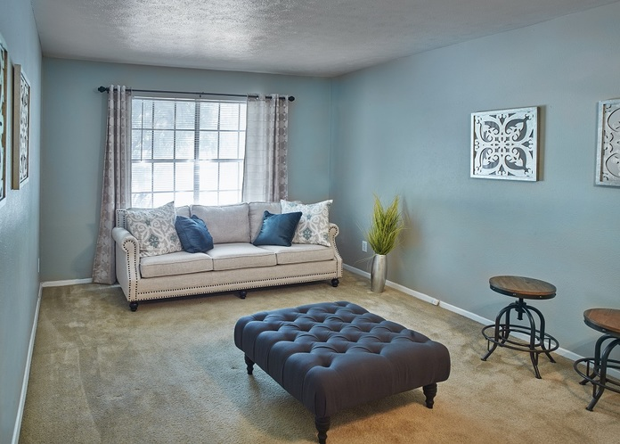 Living Room at Listing #136412