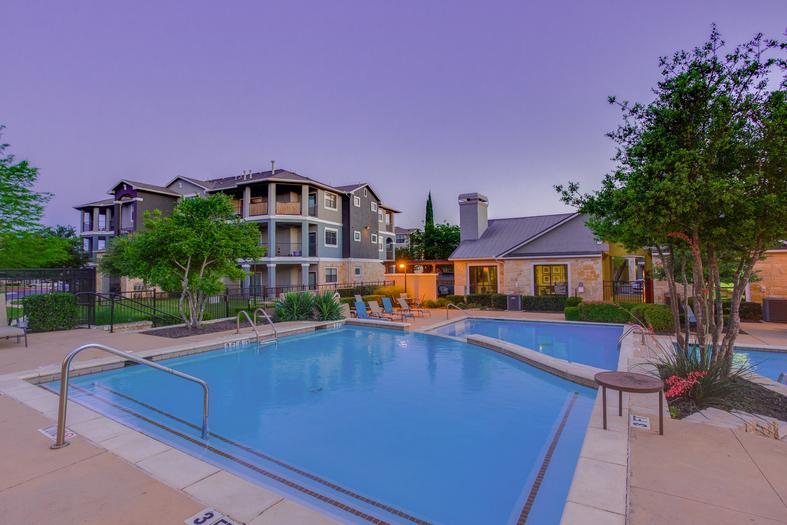 Estates at South Park Meadows Apartments Austin TX