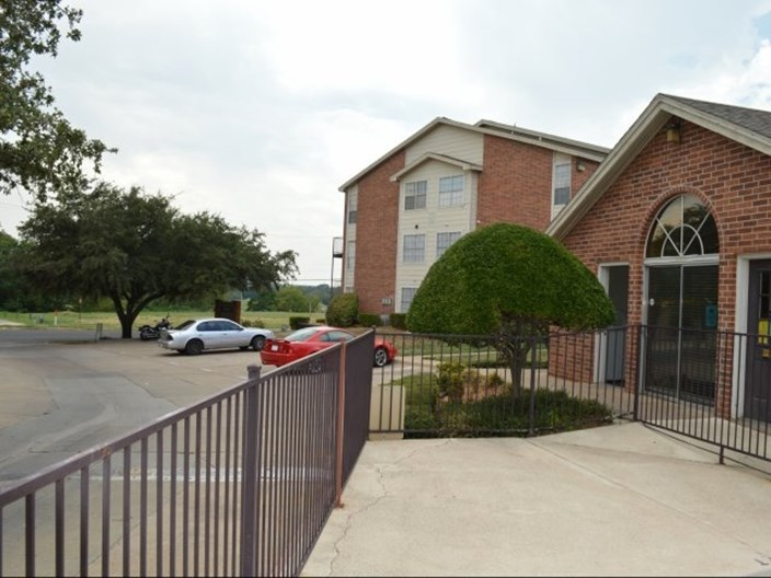 Calloway Place Apartments