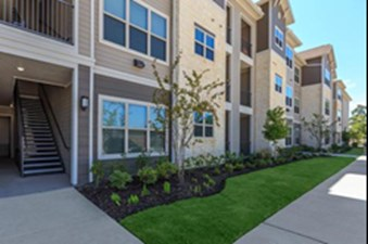 Exterior at Listing #293017