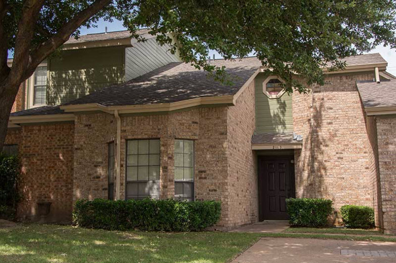 Exterior at Listing #136777