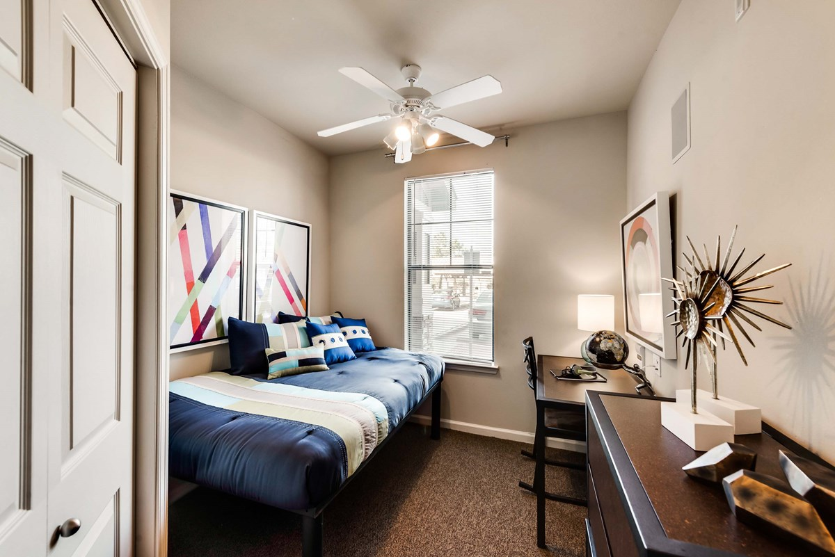 Bedroom at Listing #149419