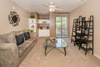 Living at Listing #141284
