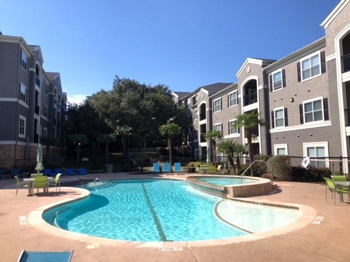 Abbey at Grande Oaks Apartments