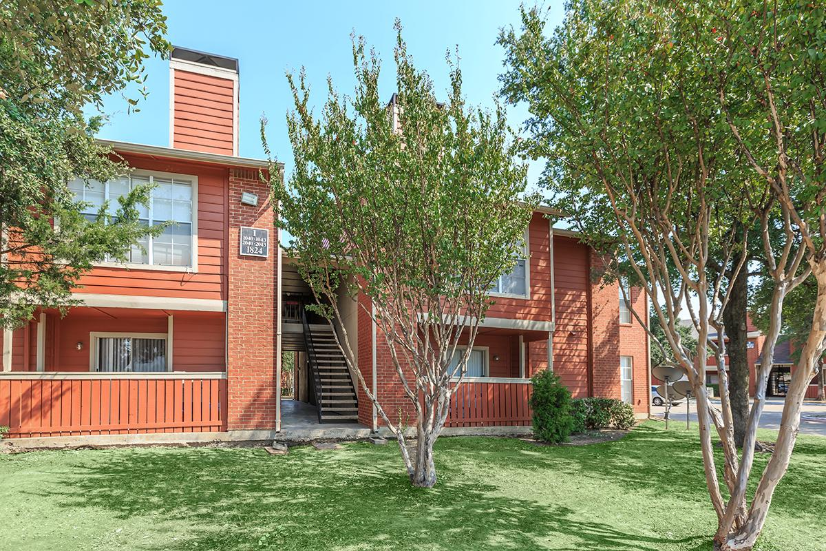 Exterior at Listing #136302