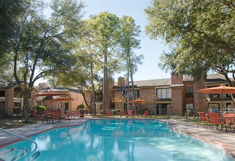 Pool at Listing #138336