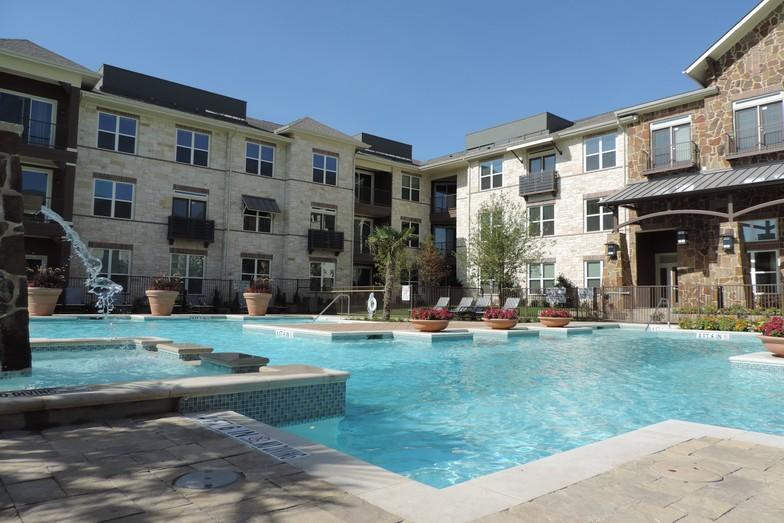 Villas of Chapel Creek Apartments Frisco TX
