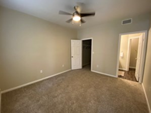 Bedroom at Listing #143444