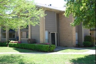 Exterior at Listing #137066