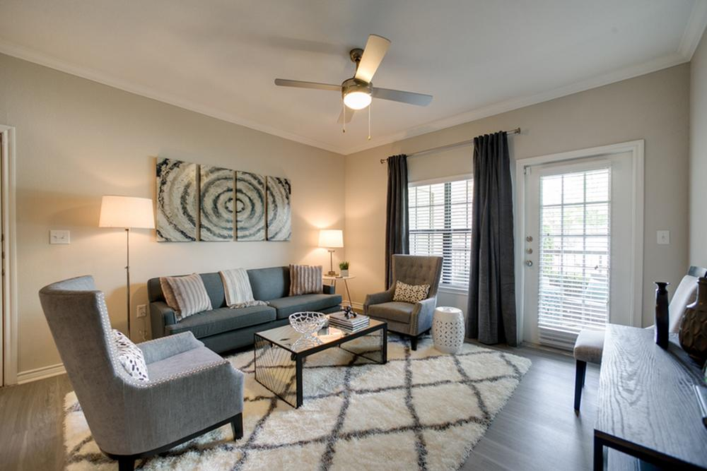 Living at Listing #145118
