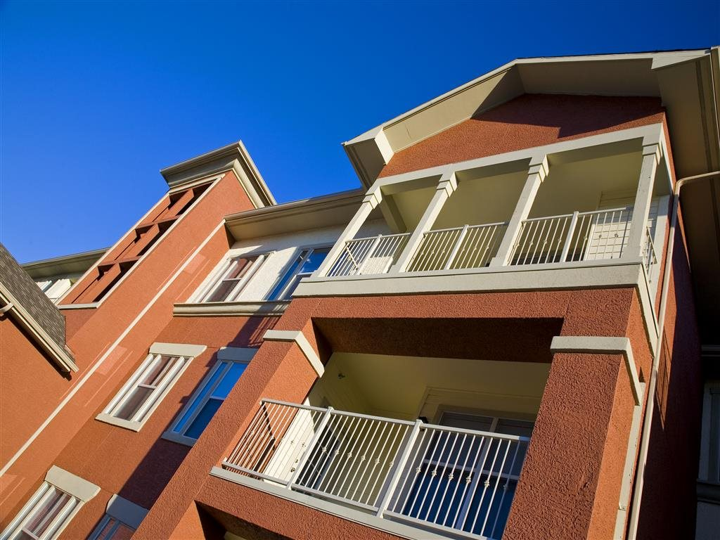 Exterior at Listing #145800