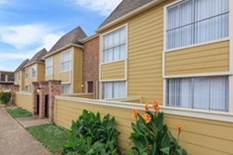 Exterior at Listing #138966