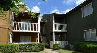 Ninety-Nine44 on Walnut Apartments Dallas TX