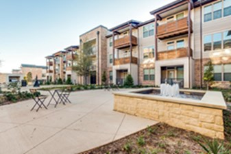 Courtyard at Listing #261160