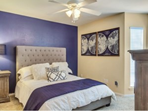 Bedroom at Listing #135999