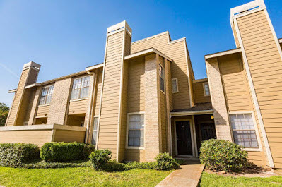 Exterior at Listing #140858