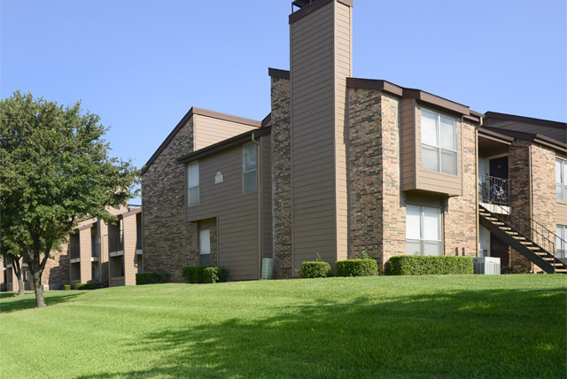 Exterior at Listing #135772