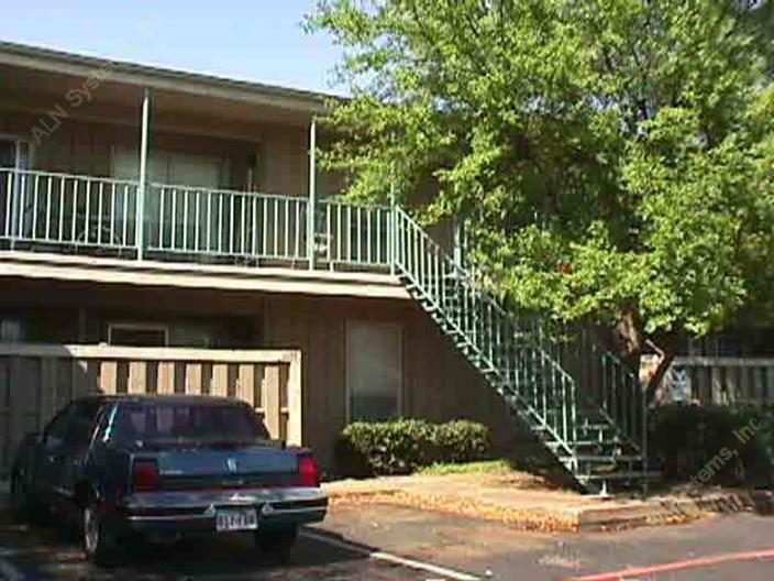 Prestonwood Hillcrest Apartments