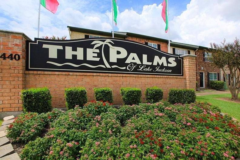 Palms of Lake Jackson Apartments