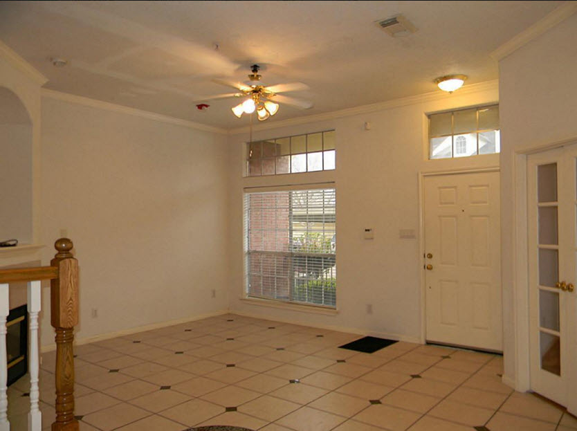 Living at Listing #138711