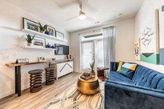 Living at Listing #309993