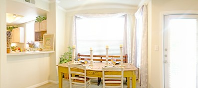 Dining at Listing #140614