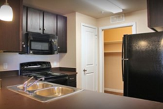 Kitchen at Listing #283001