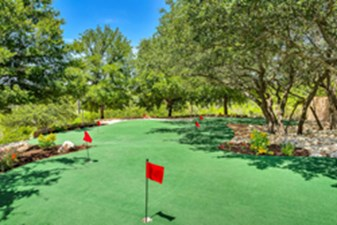 Putting Green at Listing #141398